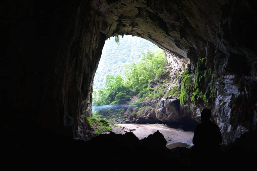 Hang En (Swallow Cave)