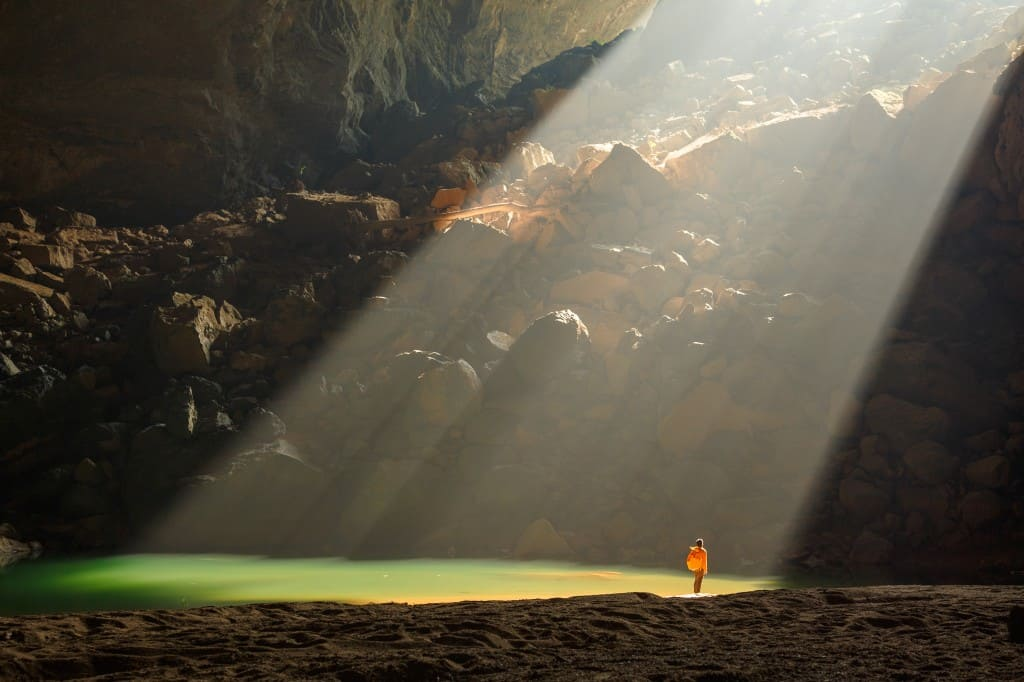 SWALLOW CAVE (HANG EN) TREKKING