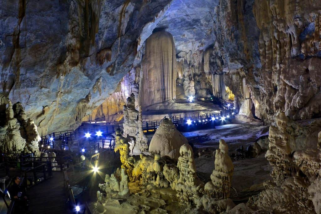 Paradise Cave – The Longest Dry cave in Asia